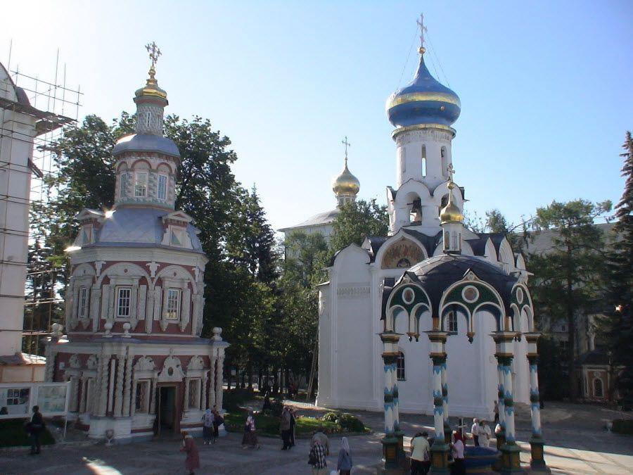 Троице-Сергиевская Лавра вид вблизи фото