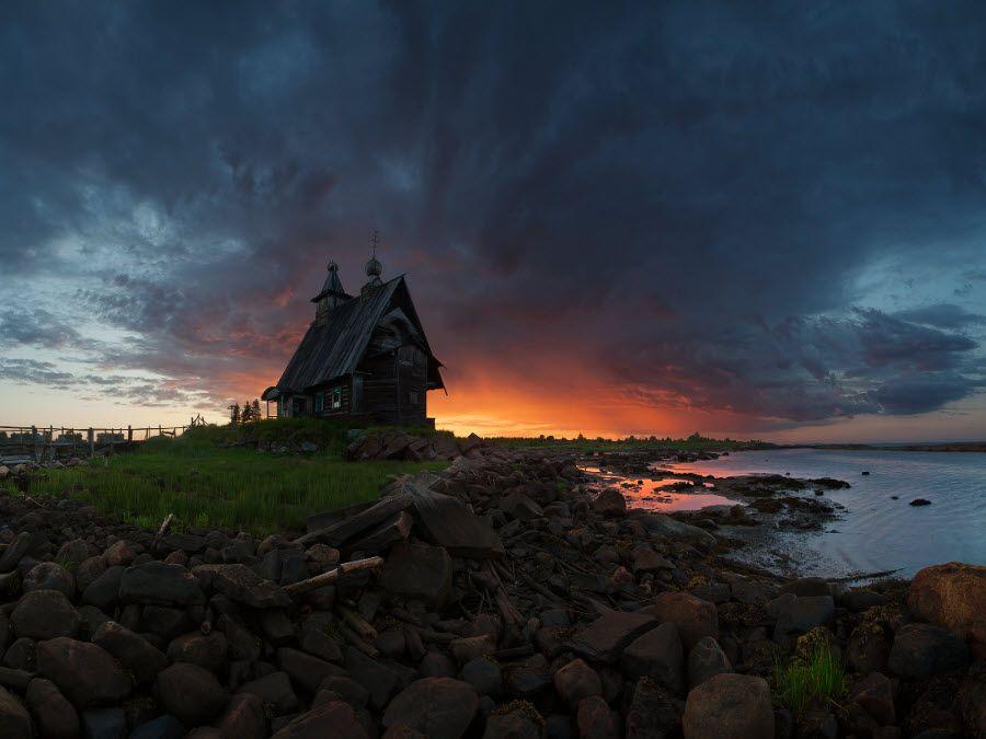 Фото старинной церкви в Тульской области