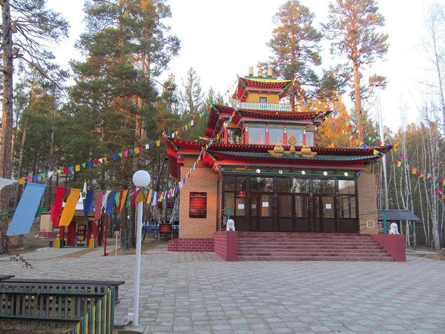 Фотография буддийского архитектурного комплекса Бурхан-Баабай