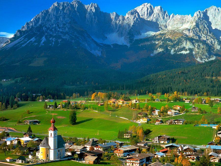 Тирольские деревушки в австрийских Альпах фотография