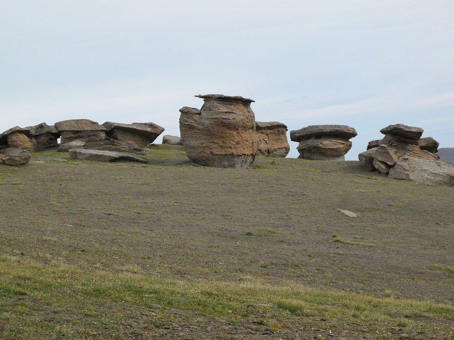 Фотография каменных грибов в урочище Джил-Су