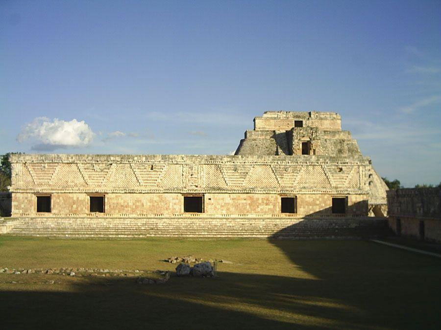 Памятник майя Ушмаль фото