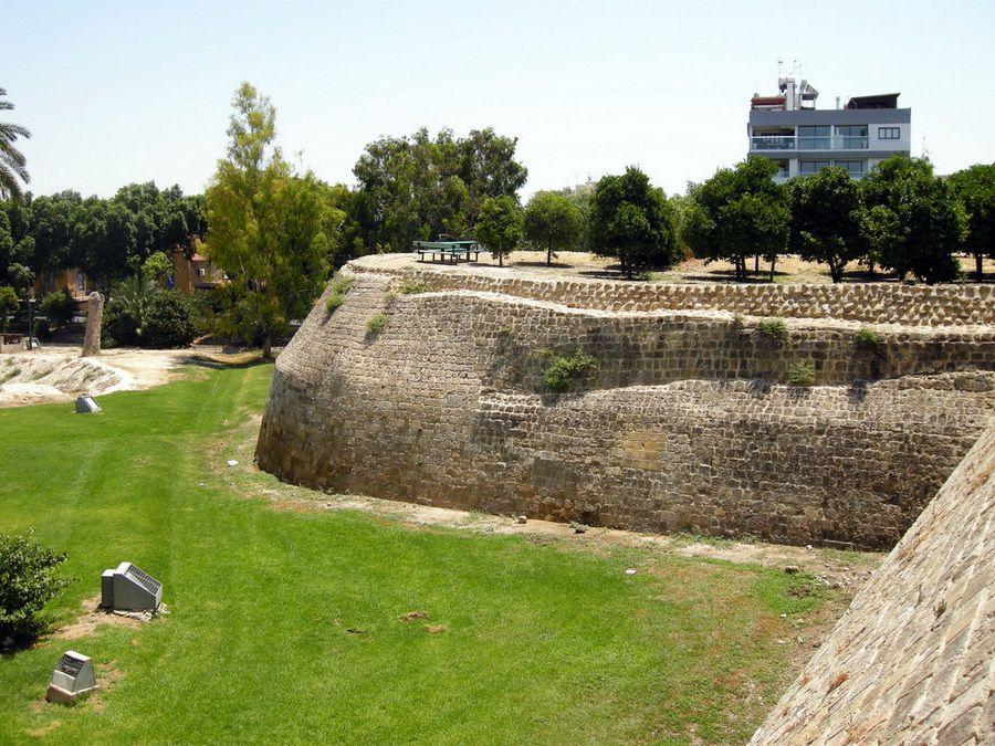Фото Венецианской стены в Никосии