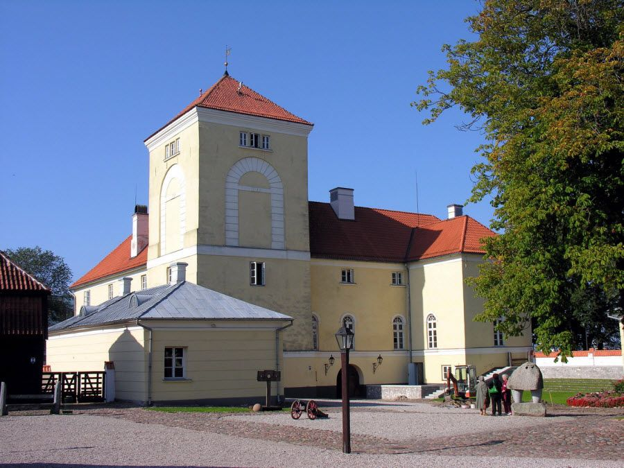 Фото замок Ливонского ордена в Ветспилсе