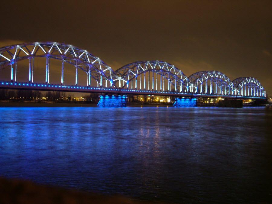 Фото завораживающего моста в Вентсилсе Латвия
