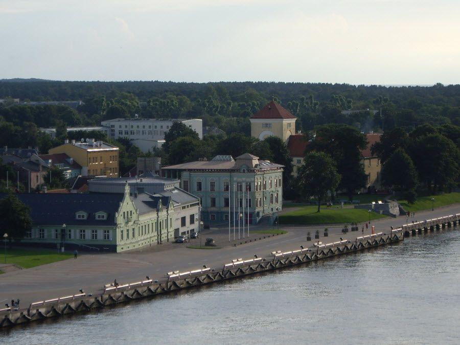 Фото город Вентспилс в Латвии
