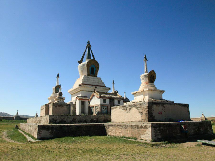 Фото древнего святого собора в Каракоруме