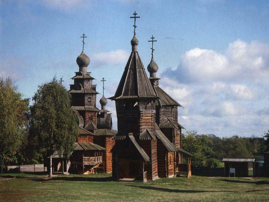 Фото церкви во Владимиро-Суздальском музее-заповеднике деревянного зодчества
