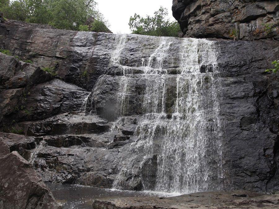 Водопад Гадельша в Башкортостане фото