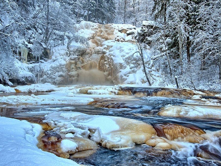 Фотография водопада Белые мосты в Карелии зимой