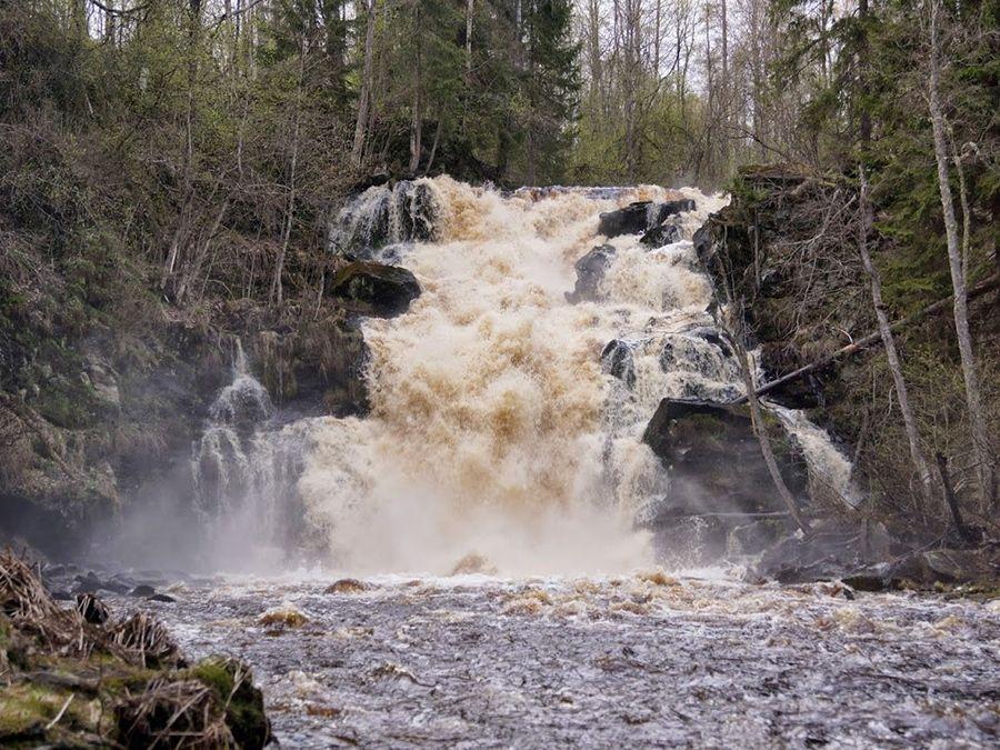 Водопад Юканкоски в Карелии фотография