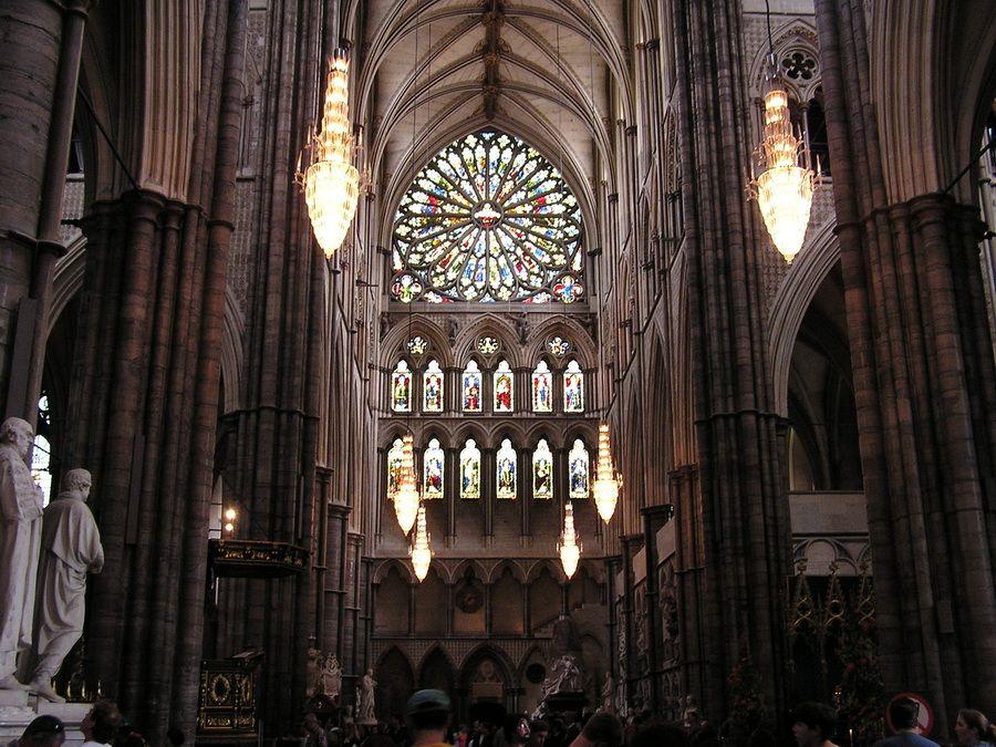 Витражи Вестминстерского аббатства фото вид изнутри