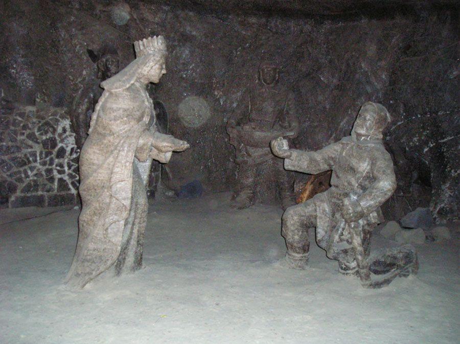 Соляная шахта в Величке фото