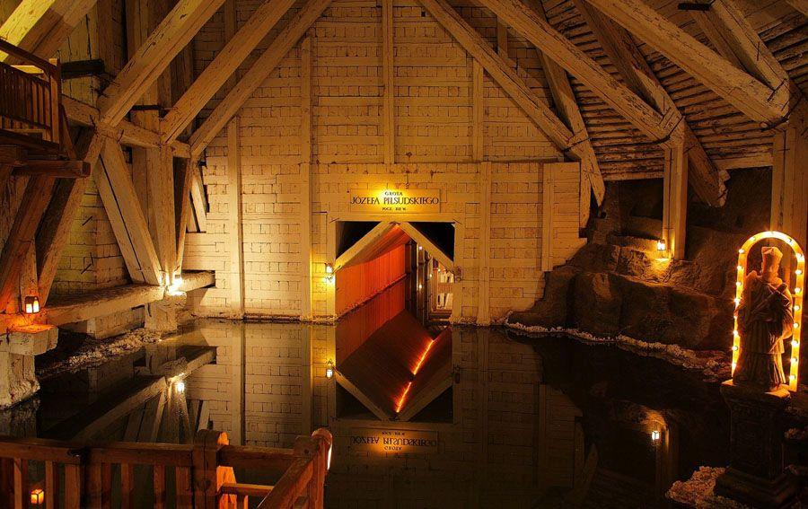 Фотография в соляной шахте Велички
