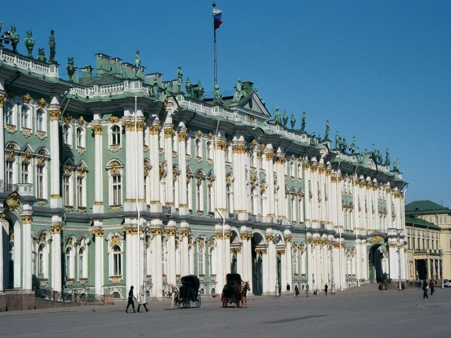 Фото Зимнего дворца (Эрмитажа) в Санкт-Петербурге