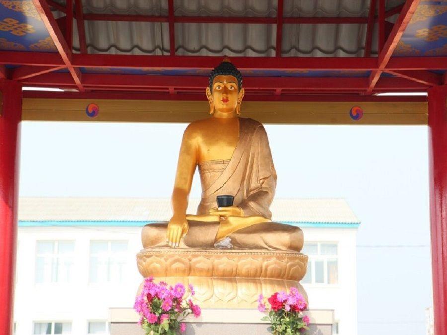 Фотография Будды в Яшкульском хуруле