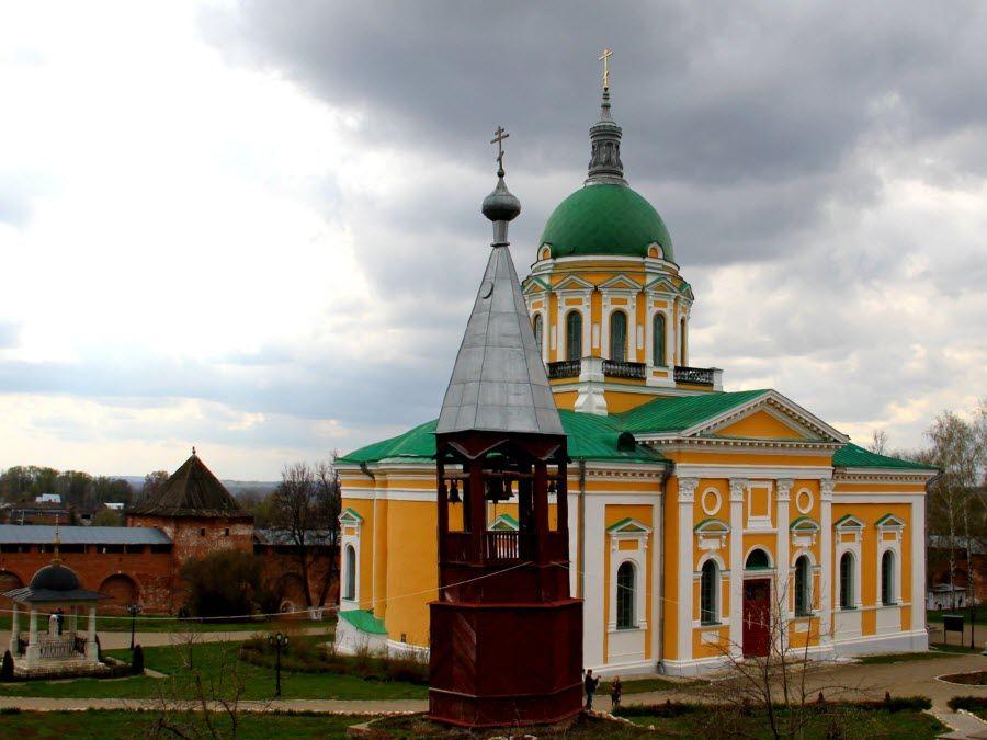 Зарайский Кремль вид внутри фото
