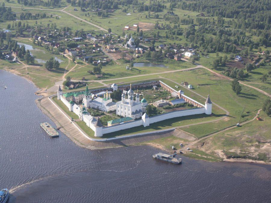 Панорама Желтоводского-Макариева монастыря фото