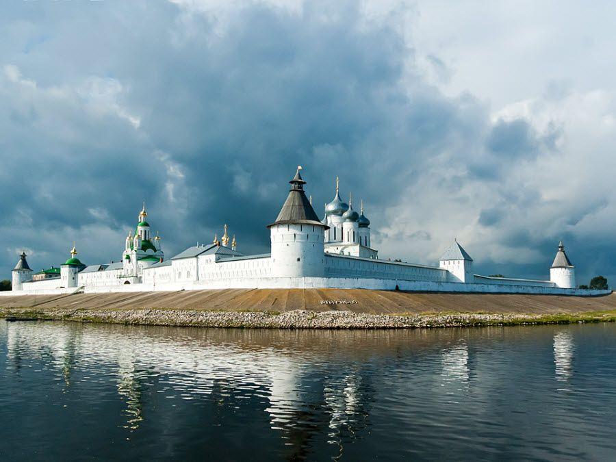 Желтоводский Макариев монастырь фото