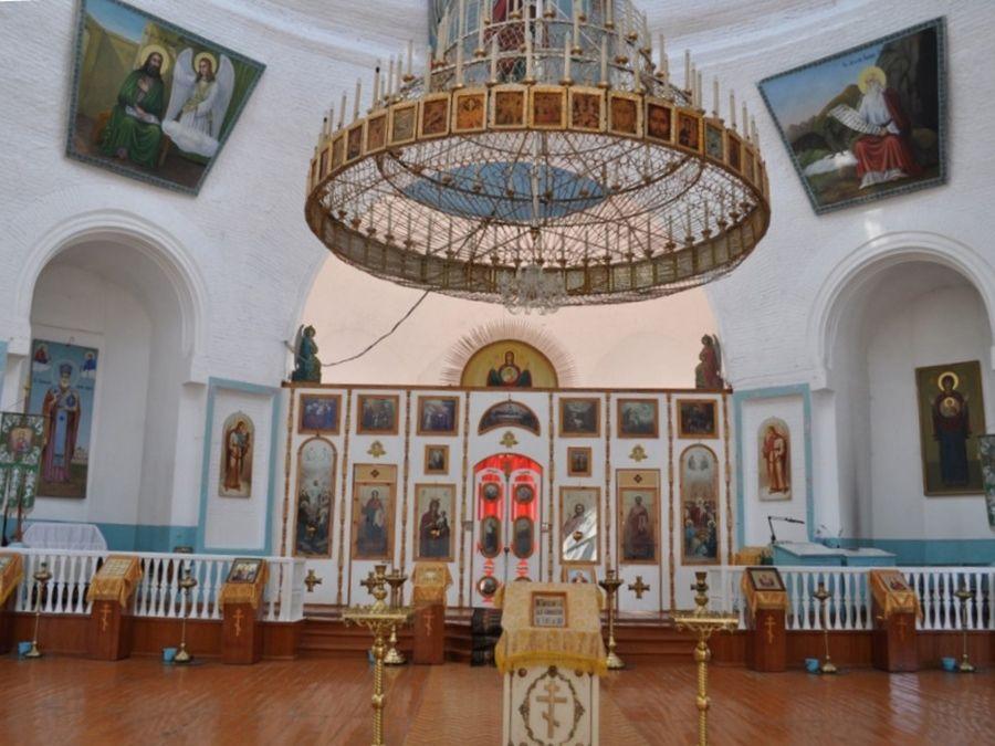 Фотография интерьера Знаменского собора в Дагестане