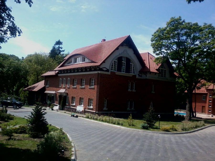 Пример современного дома в Янтарном фото