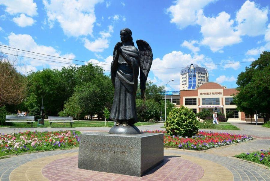 Статуя Ангел-Хранитель фото