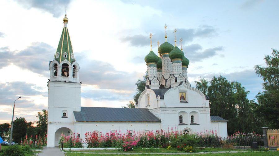 Церковь Успения Божией Матери фото