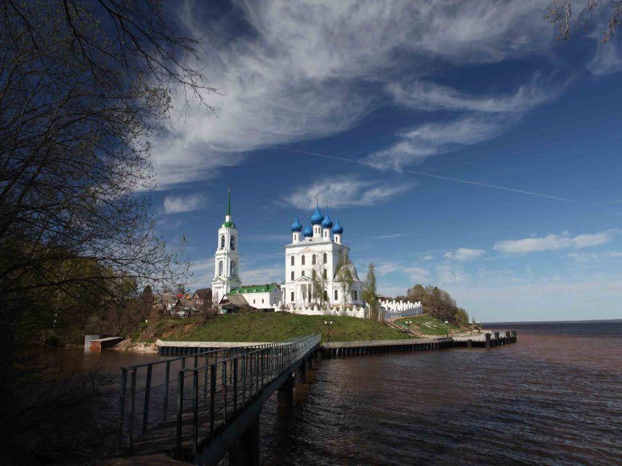 Фото церкви в поселке Катунки Ивановской области