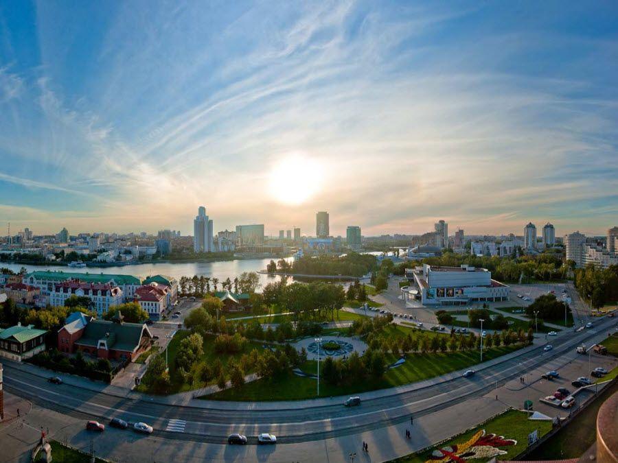 Фото вид на Екатеринбург с Храма на Крови