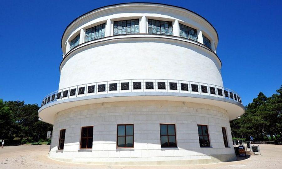 Диорама «Штурм Сапун-Горы» здание фото