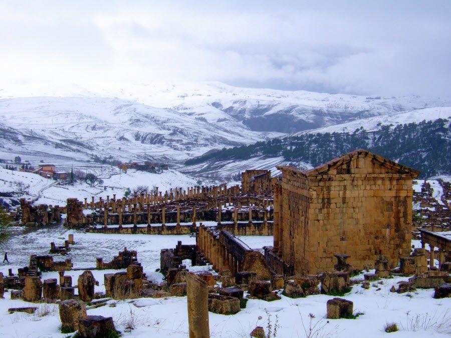 Фото руины города Джемиля в Алжире