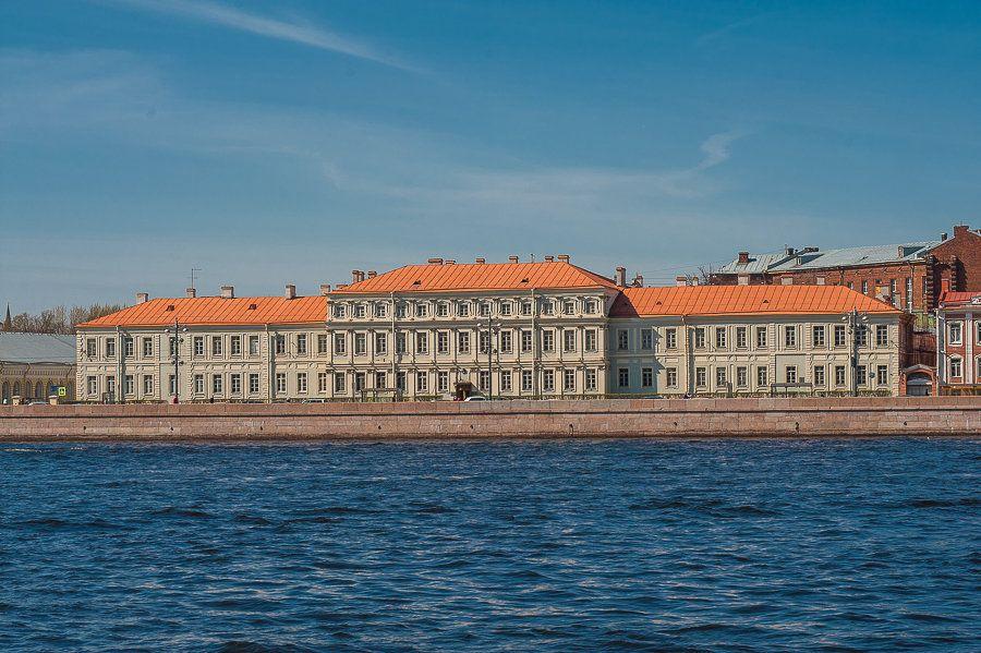 Дворец Петра Второго фото