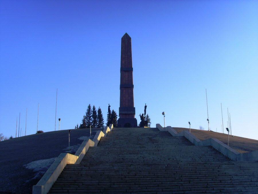 Фото Монумент Дружбы в Уфе