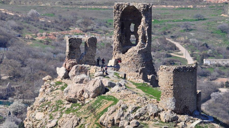 Генуэзская крепость Чембало фото