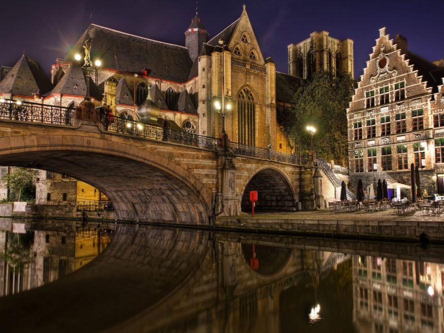 Фото мост Св. Михаила, соединяющий берега реки Лейе