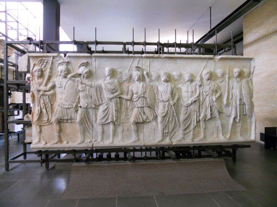 Григорианский музей светского искусства фото