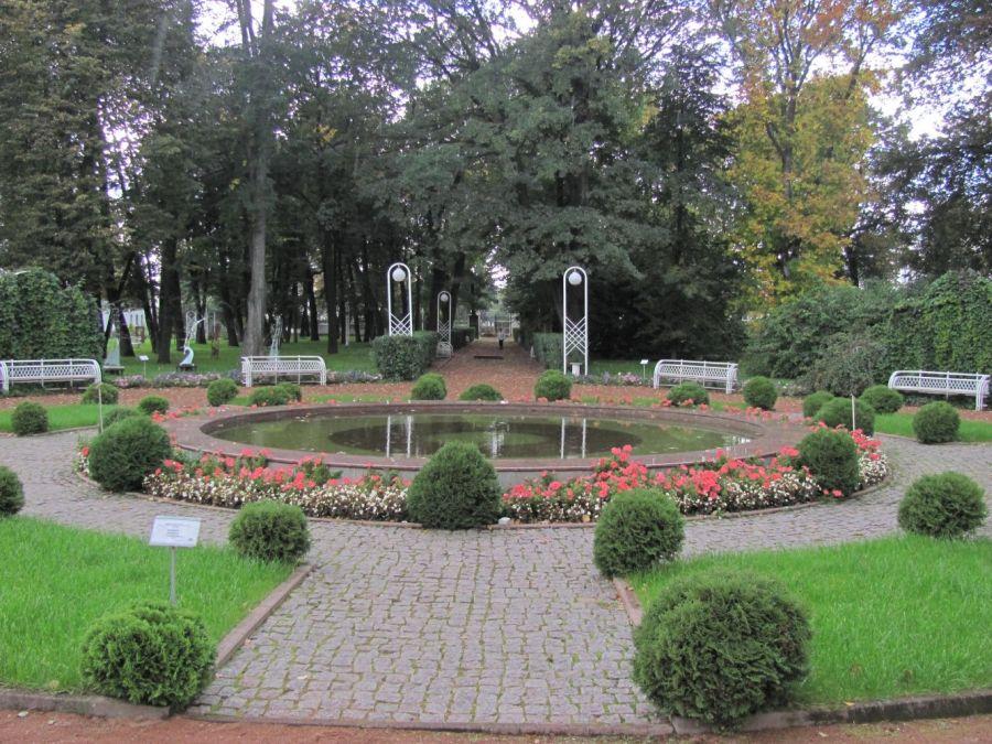 Губернаторский сад фото