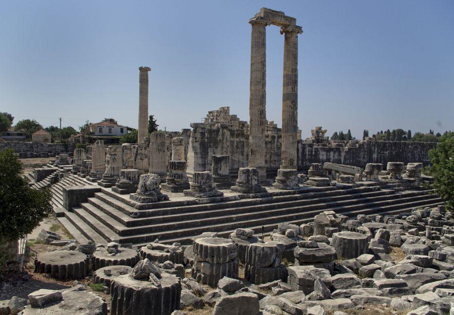 Храм Аполлона в Дидиме фото