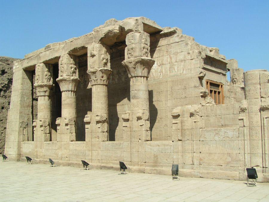 Храм Хора в Эдфу фото