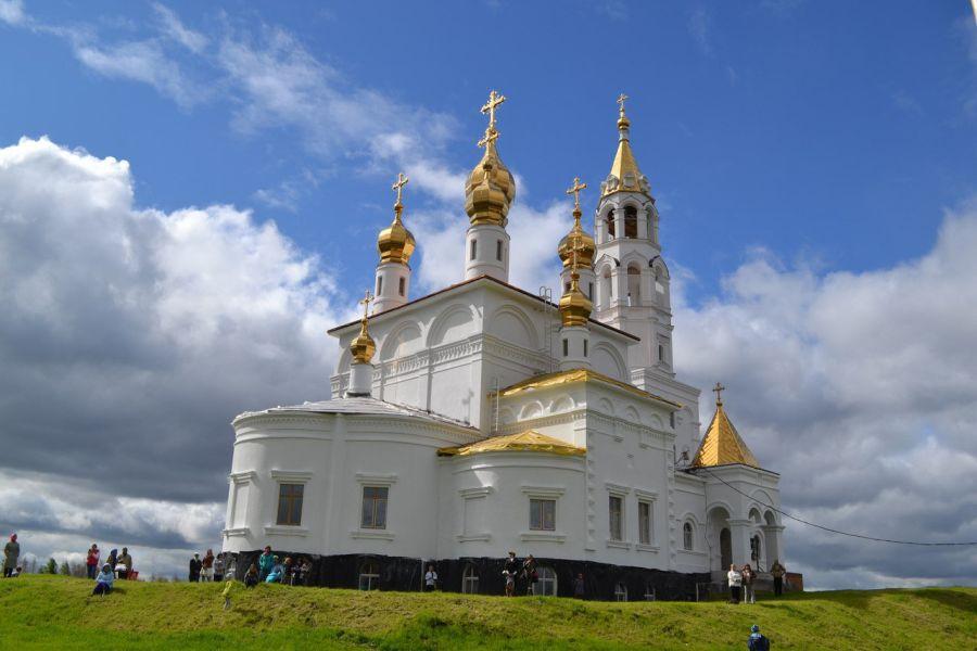 Храм Святых Божьих строителей фото