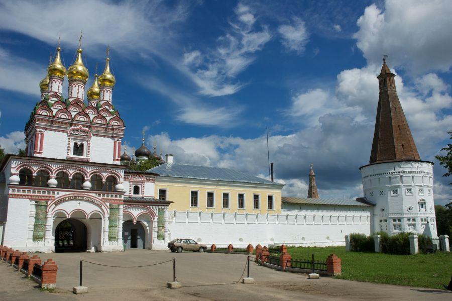 Иосифо-Волоцкий монастырь фото