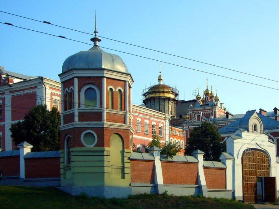 Иверский женский монастырь города Самары фото