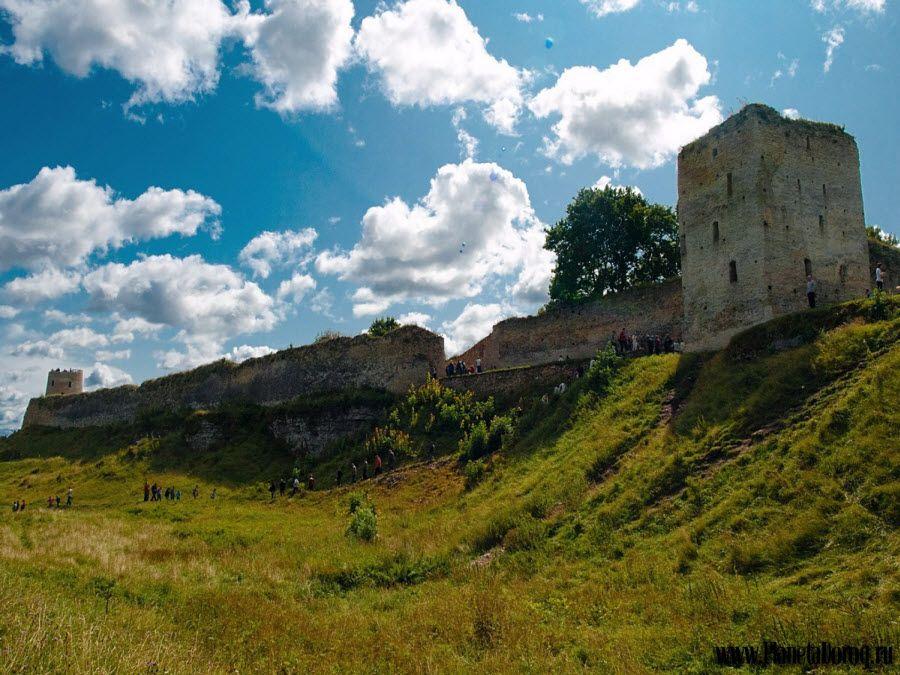 Фото Изборская крепость вид вблизи