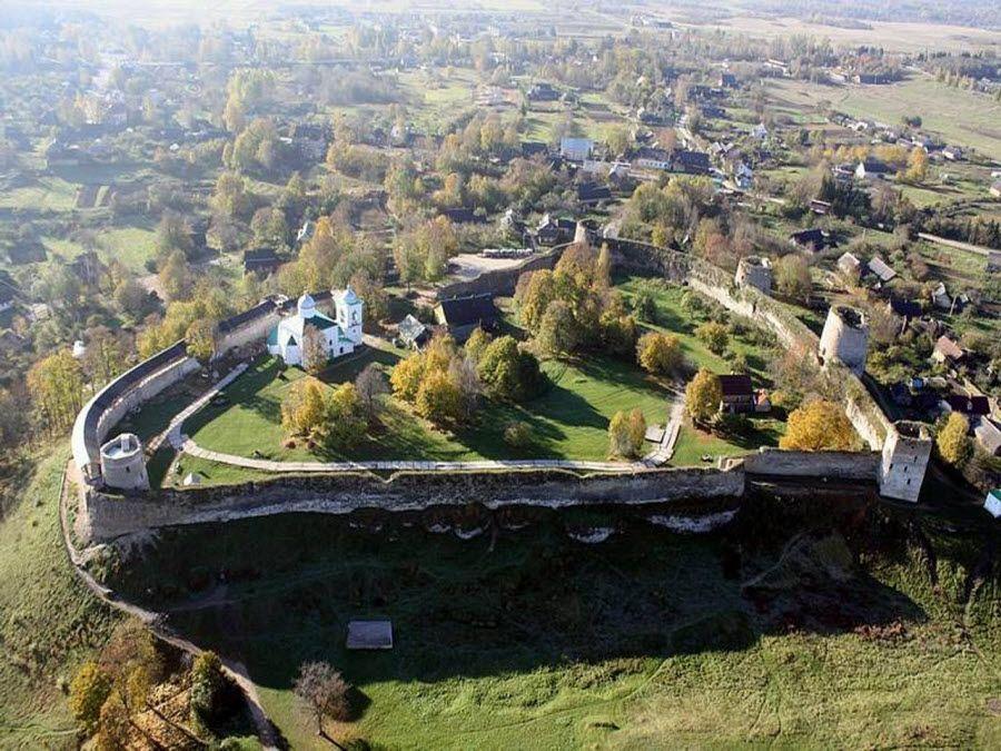 Фото Панорама Изборской крепости