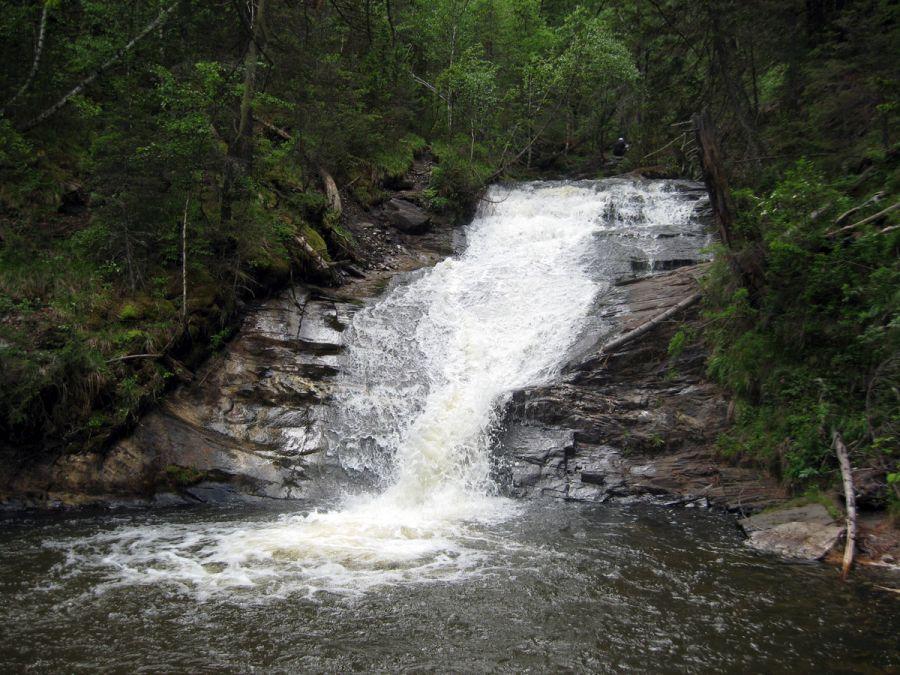 Каскад водопадов на реке Шинок фото