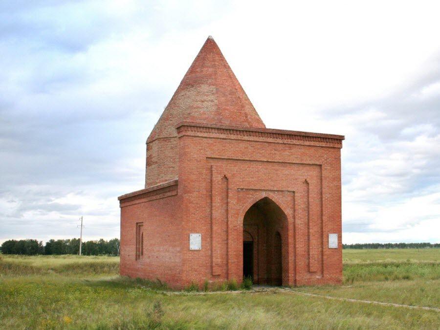 Фото красивого мавзолея Кесене
