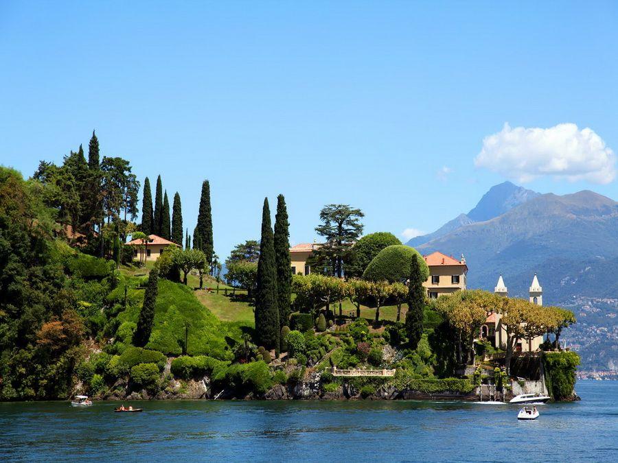 Фото парка на берегу озера Комо в Италии