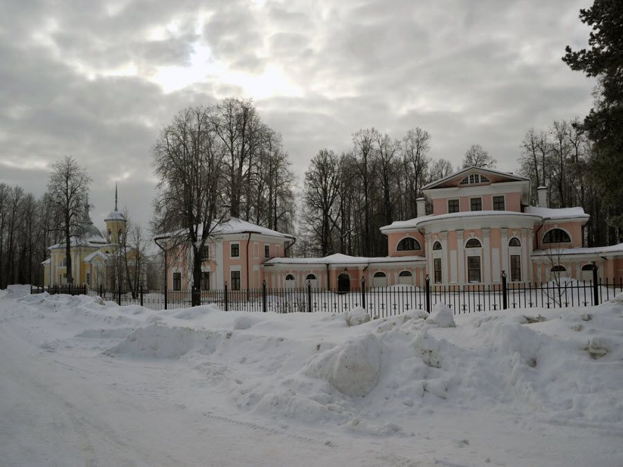 Фото вид зимой на усадьбу Брянчаниновых