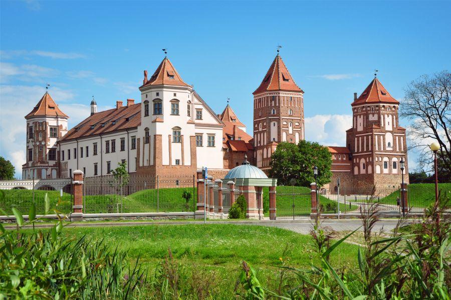 Мирский замок фото
