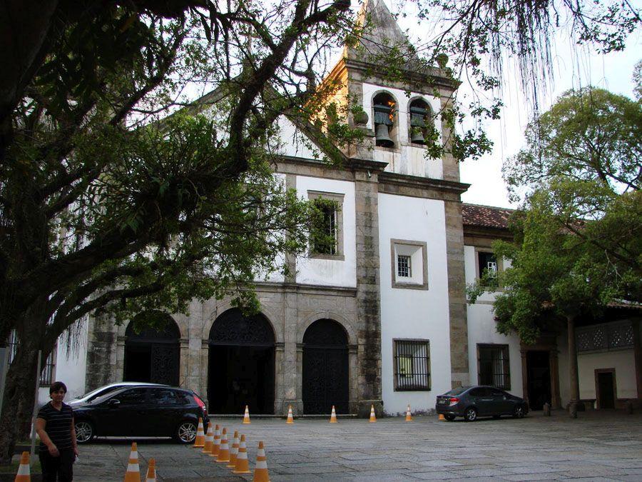 Монастырь Сан-Бенто в Рио-де-Жанейро фото